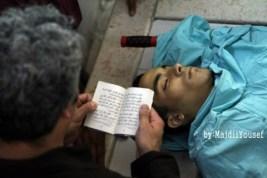 סיאם מתפלל מעל גופת נאדים.jpg
